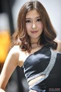 2011广州车展美女高清组图第五季04 (17图)