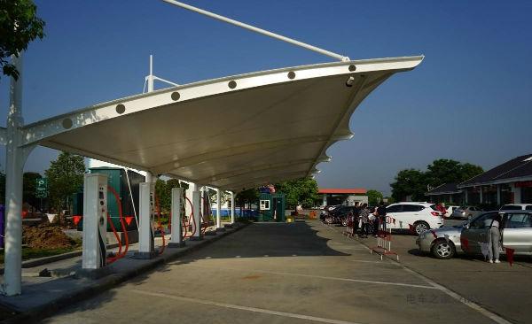 广东省共建成充电桩约6万个总体已满足电动汽车充电需要