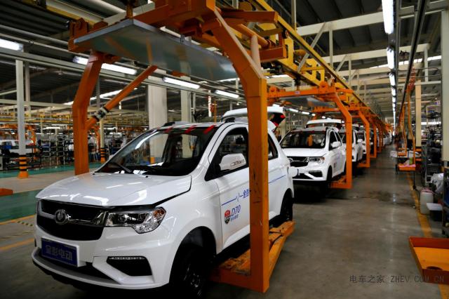 新能源汽车发展一路狂奔,金彭、领途携手进击