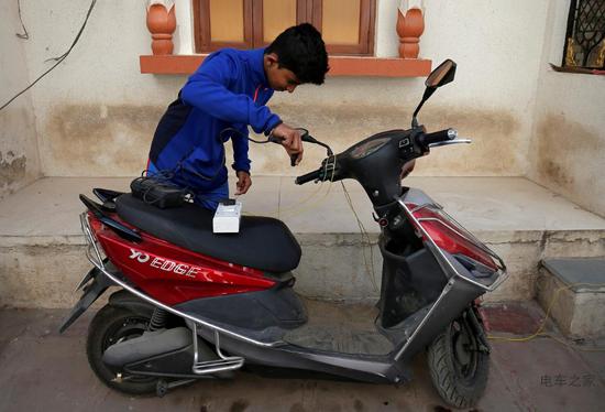 印度要求摩托车制造商转向电动车
