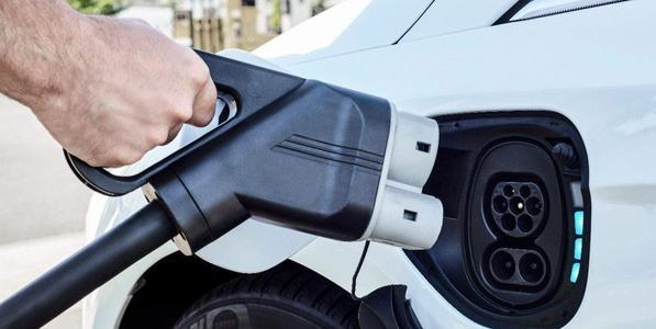 如不发展新能源汽车,大众等车企将面临巨额赔偿