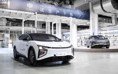 高合HiPhiX首批试生产车顺利下线