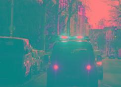 福特测试三色灯条视觉语言,帮助自动驾驶汽车与行人交流 【图】