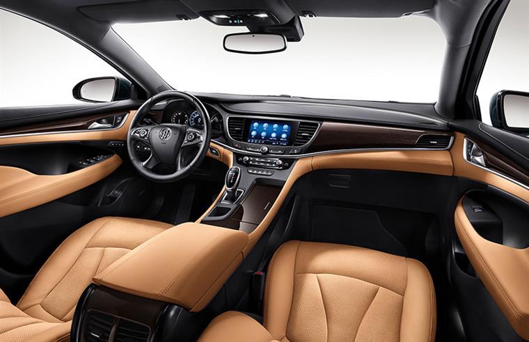 亚洲龙、君越领衔20万元级的B+级轿车,到底该选谁?