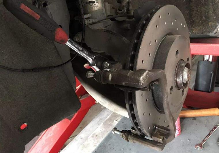 刹不住的可不止丰田 出现以下情况赶紧检查刹车系统!