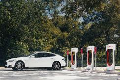 充电功率提升25% 特斯拉V2充电桩将进行升级
