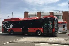 一身耀眼中国红,金龙客车力助西班牙公交电动化
