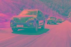 聪明的买车人丨承载非承载扩展:荣威RX8上市一年怎么看? 【图】