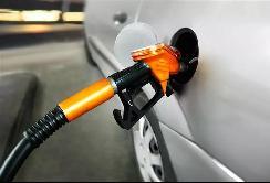 """燃油车再次被""""歧视""""?新能源车可免停车费"""