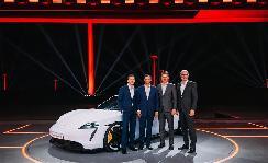 保时捷首款电动跑车 Taycan全球首秀,正式开启跑车的纯电未来