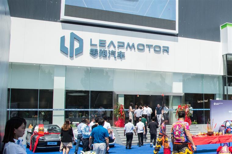 广州零跑中心开业 零跑新零售又一站 线下渠道稳健扩张