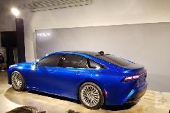 丰田大事件,发布两款车型还延长电池保修,加速发展混动车型