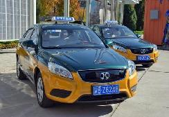 新能源出租车潮将来,破解司机后顾之忧当为先