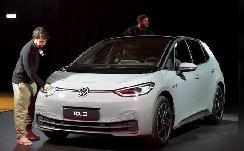 德国拟将电动汽车购车补贴提高一半至4500欧元