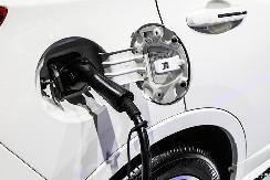 徐和谊:新能源汽车发展规划的两大焦点