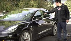 特斯拉车主设计戒指钥匙 可以打开Model 3