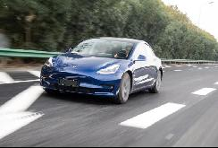 对特斯拉潜在车主而言,唯一的限制可能是充电桩