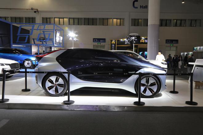 2020海口新能源车展:奔腾E² Concept亮相