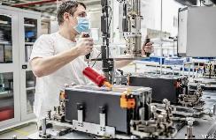 重启动力电池生产斯柯达捷克工厂复工