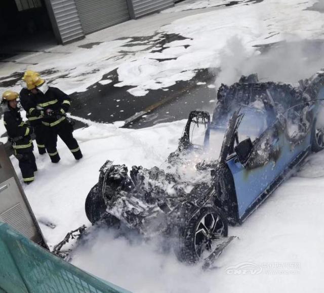 5分钟内不起火不爆炸,电动汽车用动力蓄电池安全明年起实施