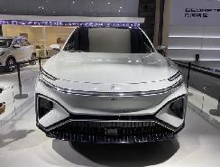 荣威高端SUV亮相车展,不仅支持5G和自动驾驶,实力也不错