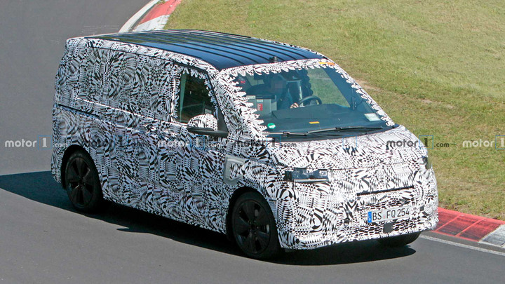 vw-t7-phev-spy-photo (2).jpg