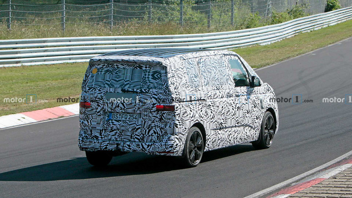 vw-t7-phev-spy-photo (3).jpg