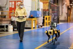 提升工厂智能化 福特录取机械狗员工
