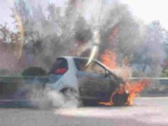 众泰E200高速起火烧成铁架,事故原因未知! 【图】