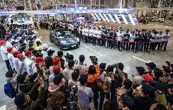 首批出口欧洲 中国制造特斯拉汽车运抵比利时