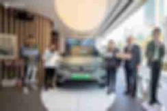 沃尔沃XC40纯电版首批3位盲订车主交车 共2558份订单 【图】