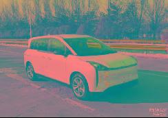 一汽奔腾推出新车型,造型别致主打出行市场