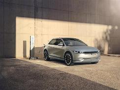 现代旗下电动品牌首款量产车首秀,IONIQ 5未来将进入中国市场