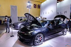 中国制造Model Y、新款Model 3 亮相2021青岛春季国际车展