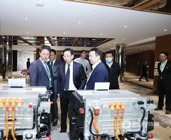 新品|亿华通新一代自主氢燃料电池发动机G120首发