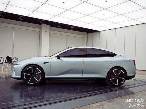 上海车展抢先看,哪吒Eureka 03量产车型亮相,炫酷吗?