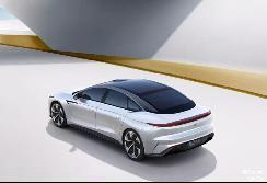 智己汽车旗下第一款车型正式预售,起售价40.88万