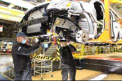 因芯片短缺,Stellantis延长两工厂停产时间