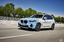 加氢3分钟,天地任驰骋,BMW i Hydrogen NEXT 2023年小规模量产