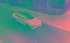 """李斌没说出口的话,智能汽车就是要""""不务正业"""""""
