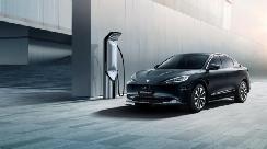 国产电动车的绝对,比亚迪汉EV和极狐阿尔法S该怎么选