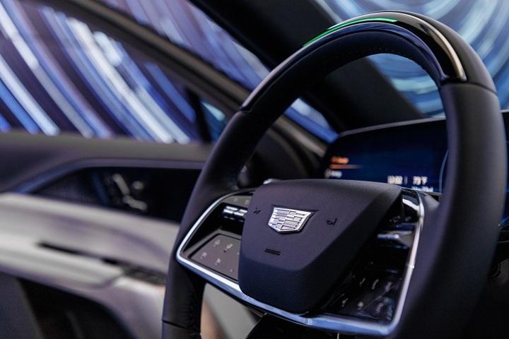 配图4:搭载增强型Super-Cruise超级智能驾驶辅助系统,带来安全、轻松、智能的崭新驾乘体验(北美图).jpg