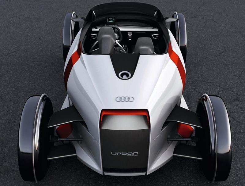 驾驶座舱是由碳纤维加固塑料制成,底盘,座椅底座,后视镜及车身与轮胎