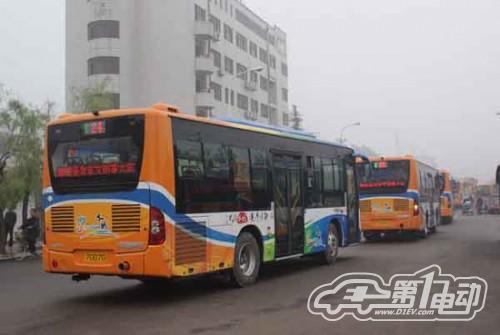 中通客车交付聊城67台清洁与新能源客车
